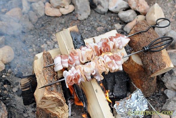 http://www.zestuous.com/2013/11/campfire-bacon/