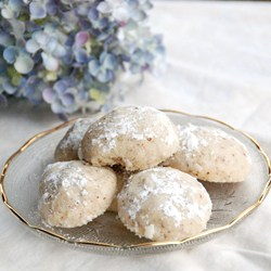 Mexican Wedding Cookies from Zestuous