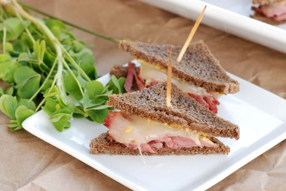 Corned Beef Triangles | Delicious Irish Appetizers for St. Patrick's Day